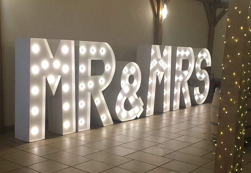 MR&MRS Light Up Letters
