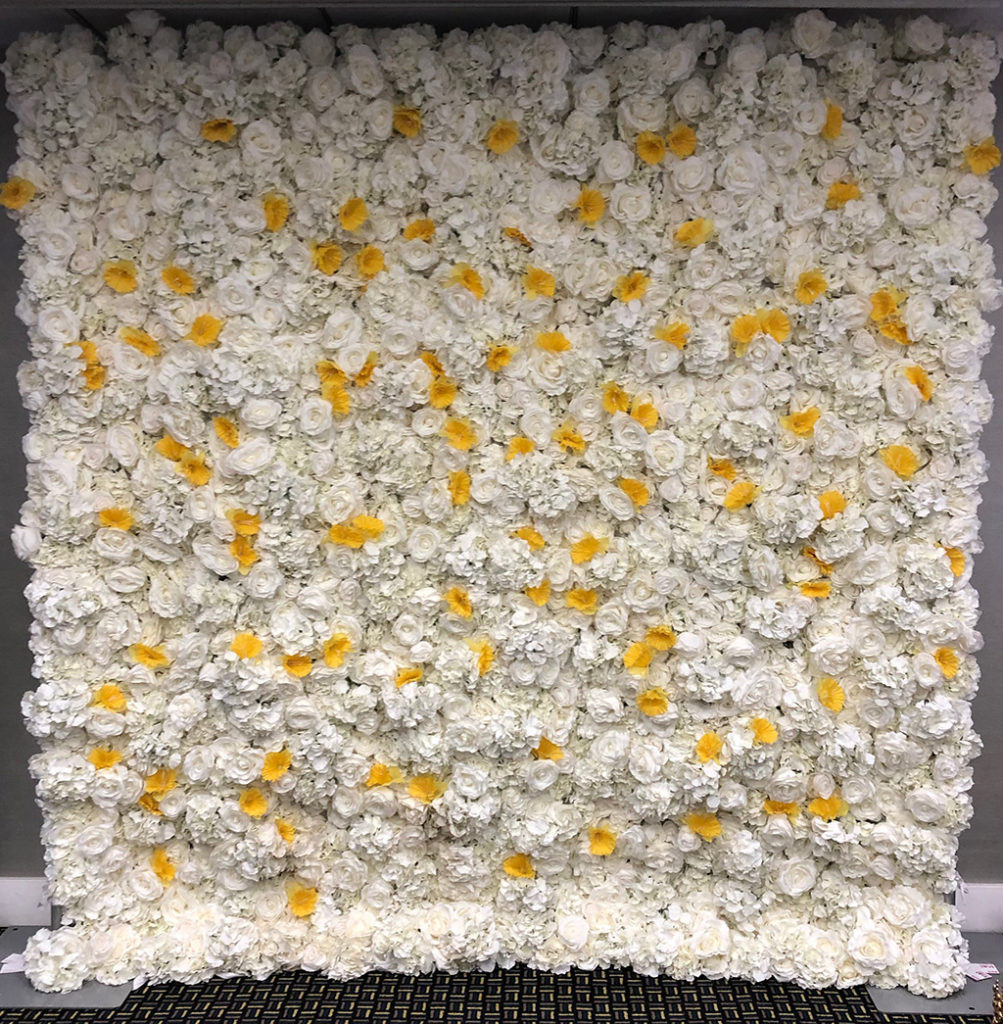 Flower wall with daffodils