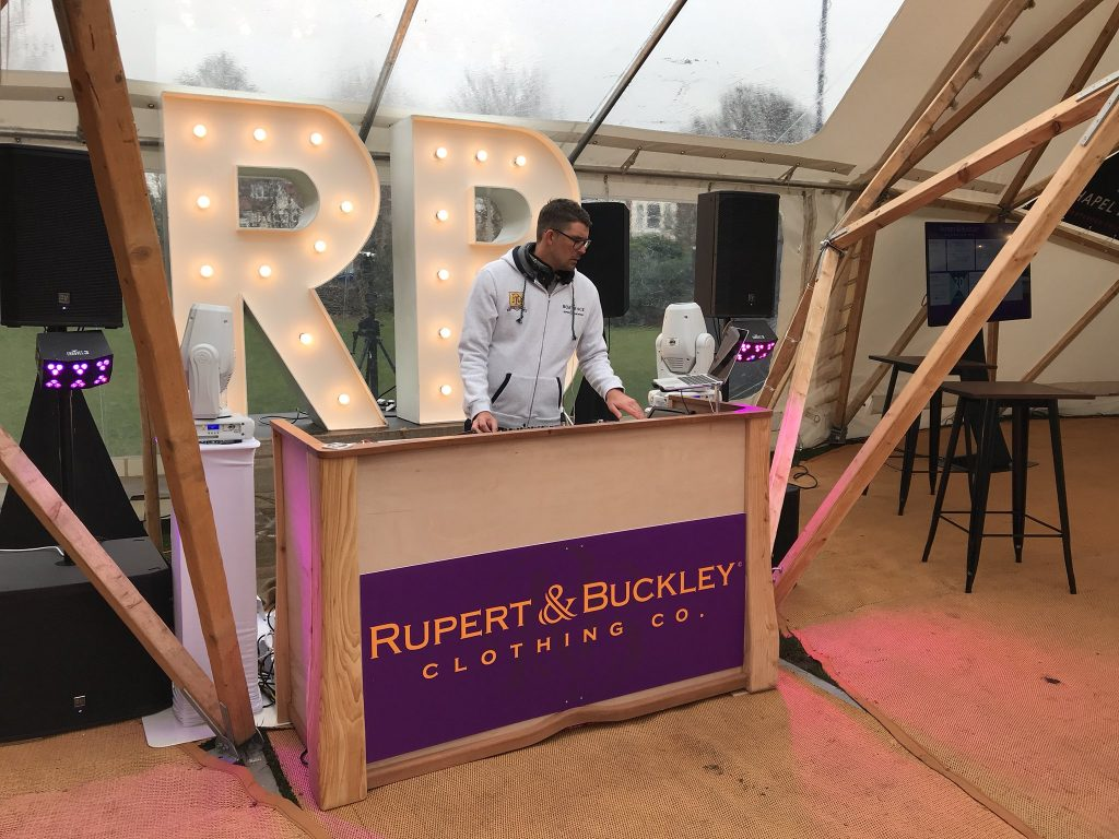 Rupert & Buckley at the Boat Race