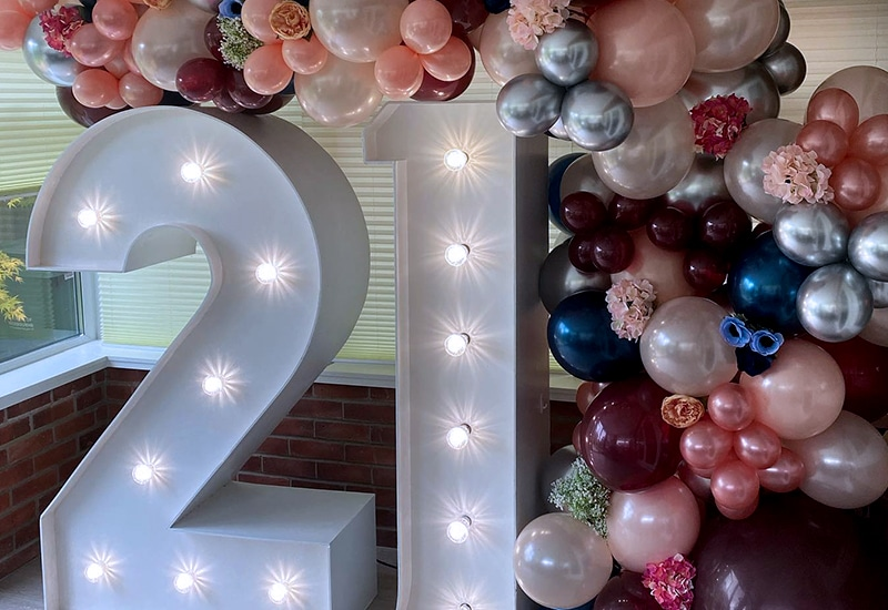 Balloon Arch over 21 Numbers